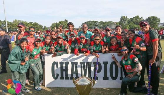দেশে ফিরলো নারী ক্রিকেট দল