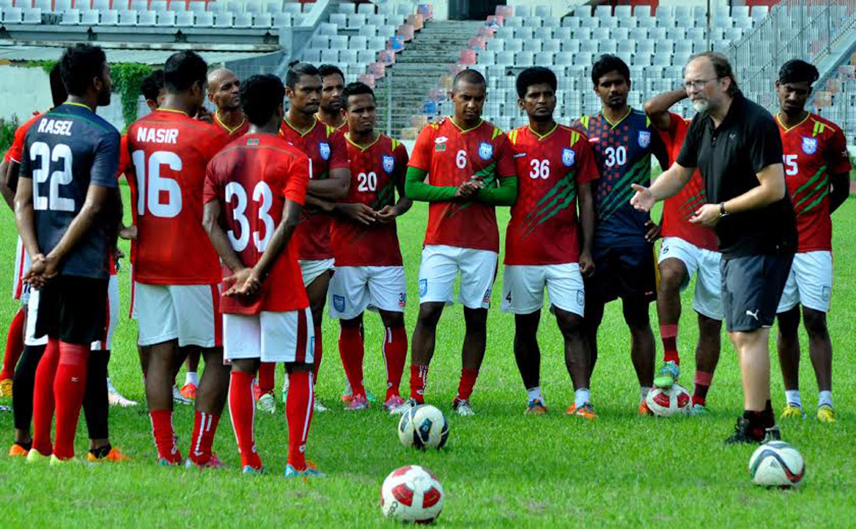 প্রস্তুতি ম্যাচে মাঠে নামছে বাংলাদেশ ফুটবল দল