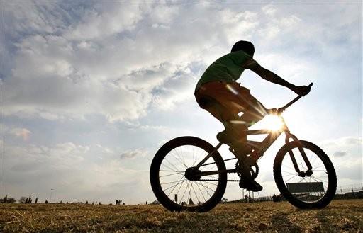 সাইক্লিং প্রতিযোগিতা টিকিয়ে রাখার উদ্যোগ নিচ্ছে ফেডারেশন