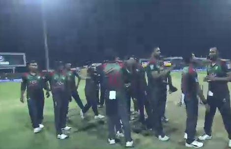 শ্বাসরুদ্ধকর ম্যাচে আফগানদের ৩ রানে হারালো টাইগাররা