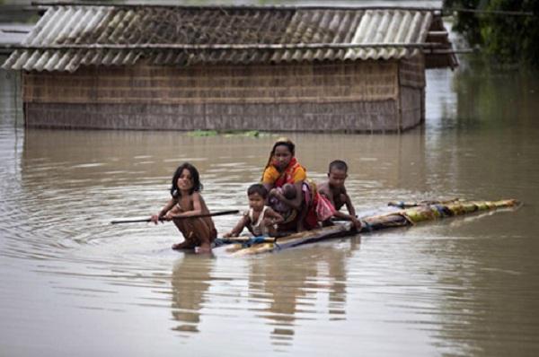 ভারতের তিন রাজ্যে বন্যা, নিহত শতাধিক