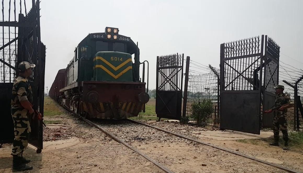 ভারত-পাকিস্তান ট্রেন চলাচল বন্ধ