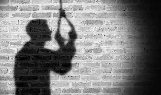 নগ্ন ভিডিও ইন্টারনেটে ছেড়ে দেয়ার হুমকি: লজ্জায় যুবকের আত্মহত্যা